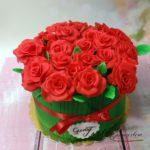 tort bukiet róż