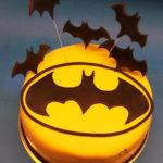 tort z logo batman i nietoperzami