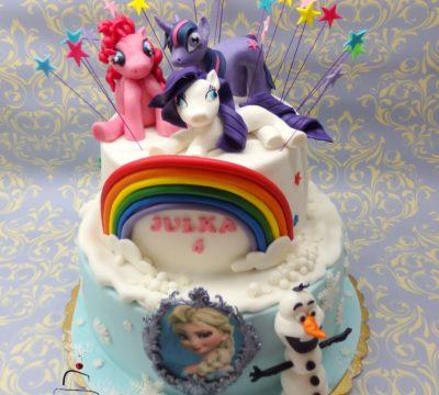 piętrowy tort z kucykami  Pony i Krainą Lodu